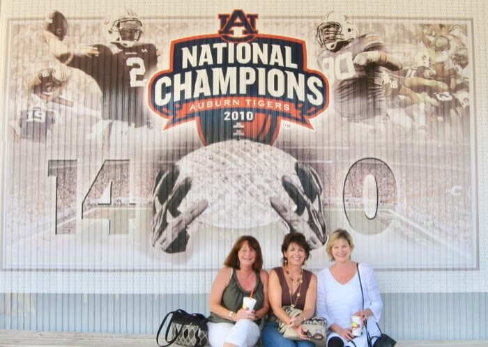 Auburn Toomer's Drugs at Toomer's Corner with Joanne and Pam photo by Kathy Miller