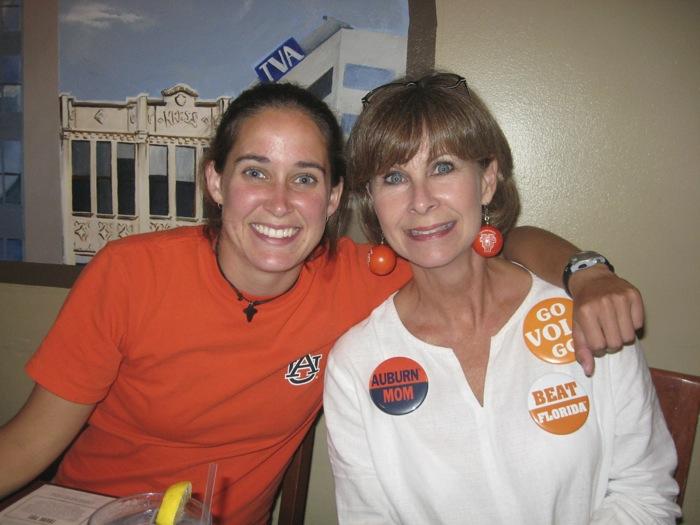 Robi & Erin Aurburn Mom Go Vols Go photo by Kathy Miller