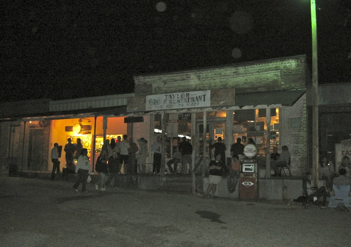 Taylor Grocery Oxford Mississippi catfish dinners photo by Kathy Miller