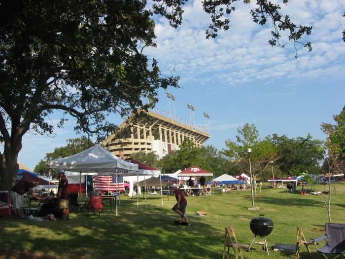 Setting up Spence Park Tailgate, Texas A&M photo by Kathy Miller