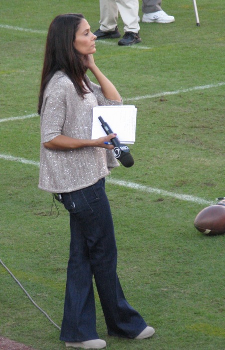 Tracy Wolfson CBS sideline reporter photo by Kathy Miller