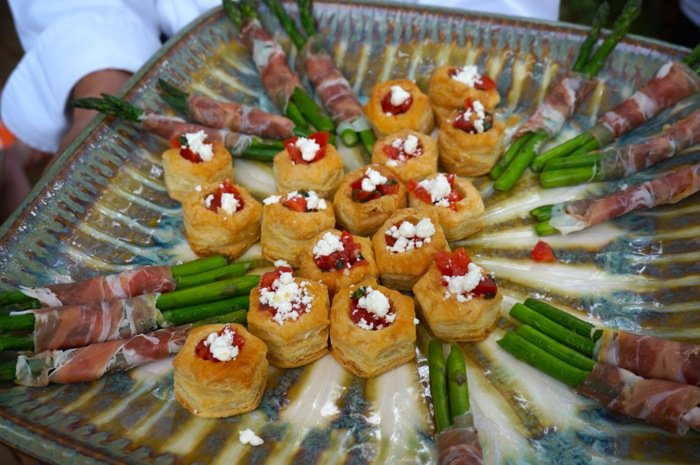 Bruschetta cups and Asparagus wrapped with prosciutto photo by Kathy Miller