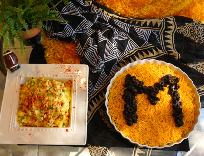 Lizzy's Cheese-Bean Dip with M for Missouri photo by Kathy Miller