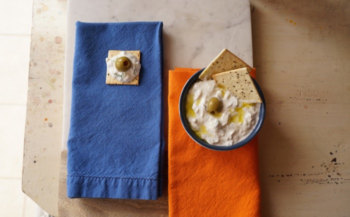 Tsatsiki with olive oil and black pepper crackers photo by Kathy Miller
