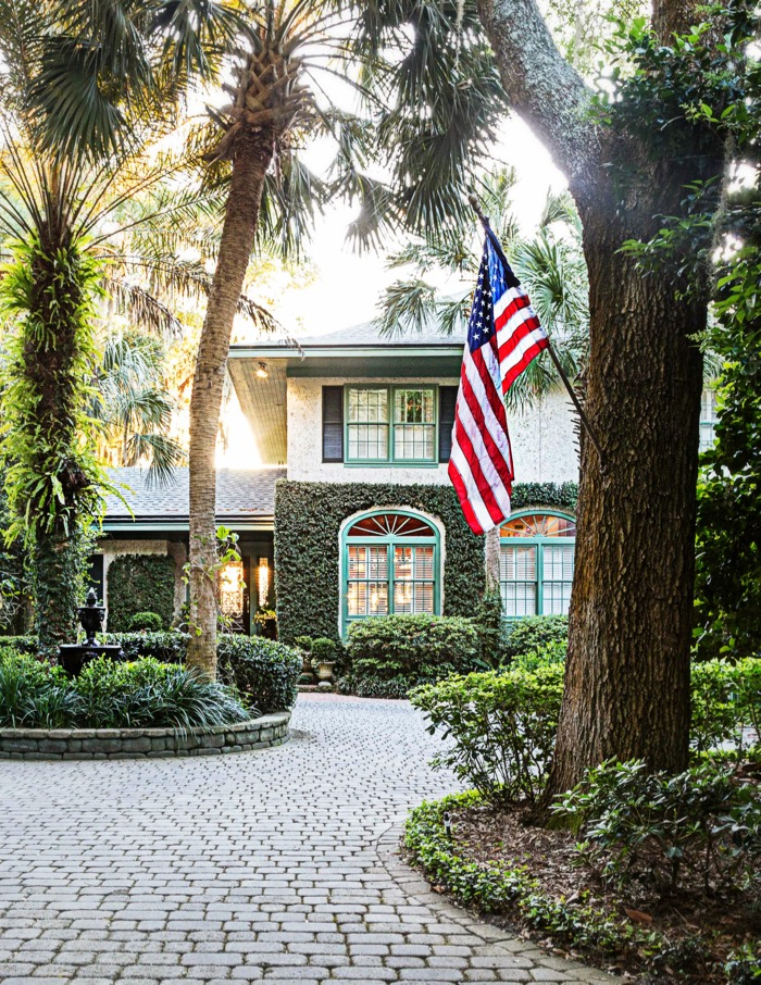 Bermuda inspired home on Amelia Island photo by Susan Scarborough