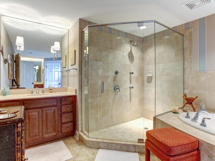 Master Bath 6529 Spyglass Villa Amelia Island