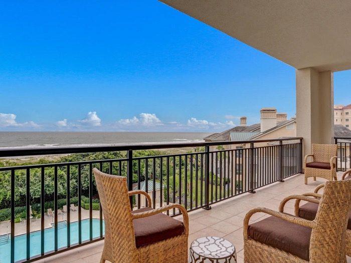 Balcony Spyglass Villa