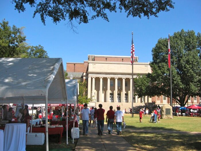 Gorgas Library on The Quad University of Alabama photo by Kathy Miller