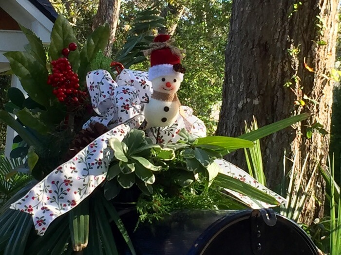 Snowman mailbox photo by Kathy Miller