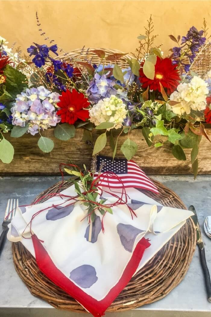 Cool napkins and place setting for 4th of July party photo Cindy Hattersley