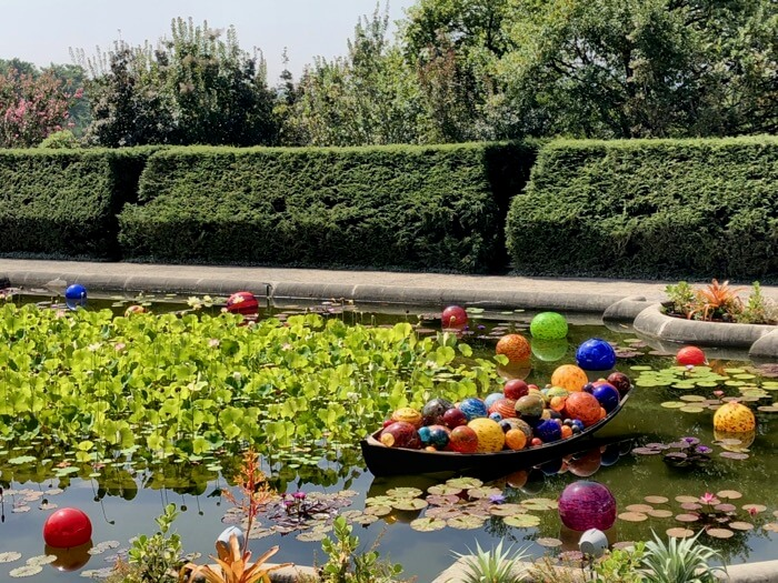 MUST SEE! CHIHULY AT BILTMORE...ASHEVILLE, NC THROUGH OCT 7, 2018 ...