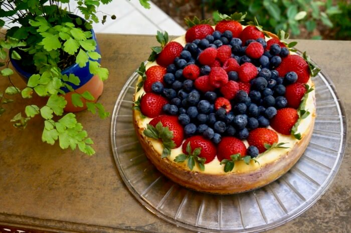 Cheesecake with blueberry, raspberries and strawberries
