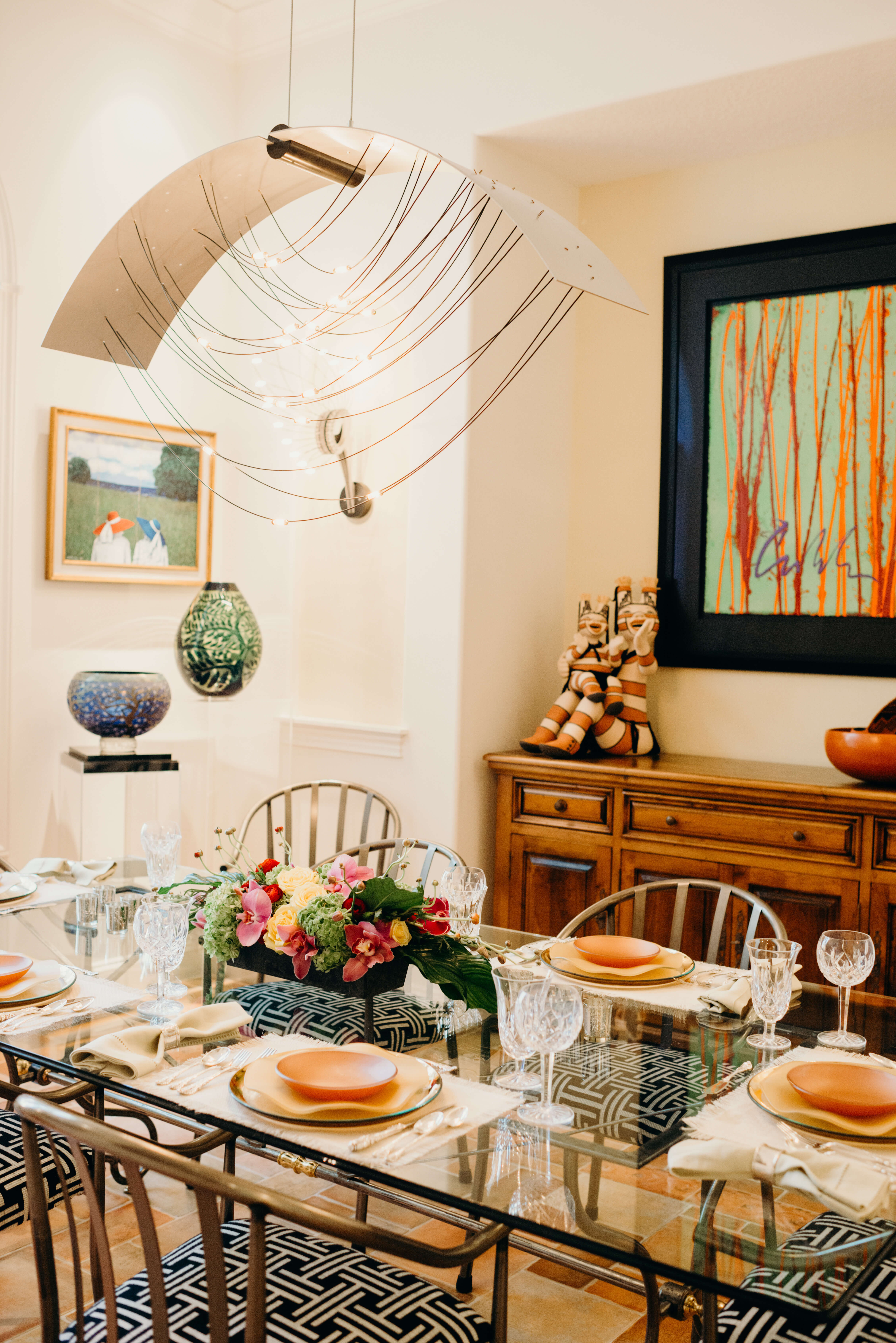 Becky Grimes dining room with fabulous chandelier