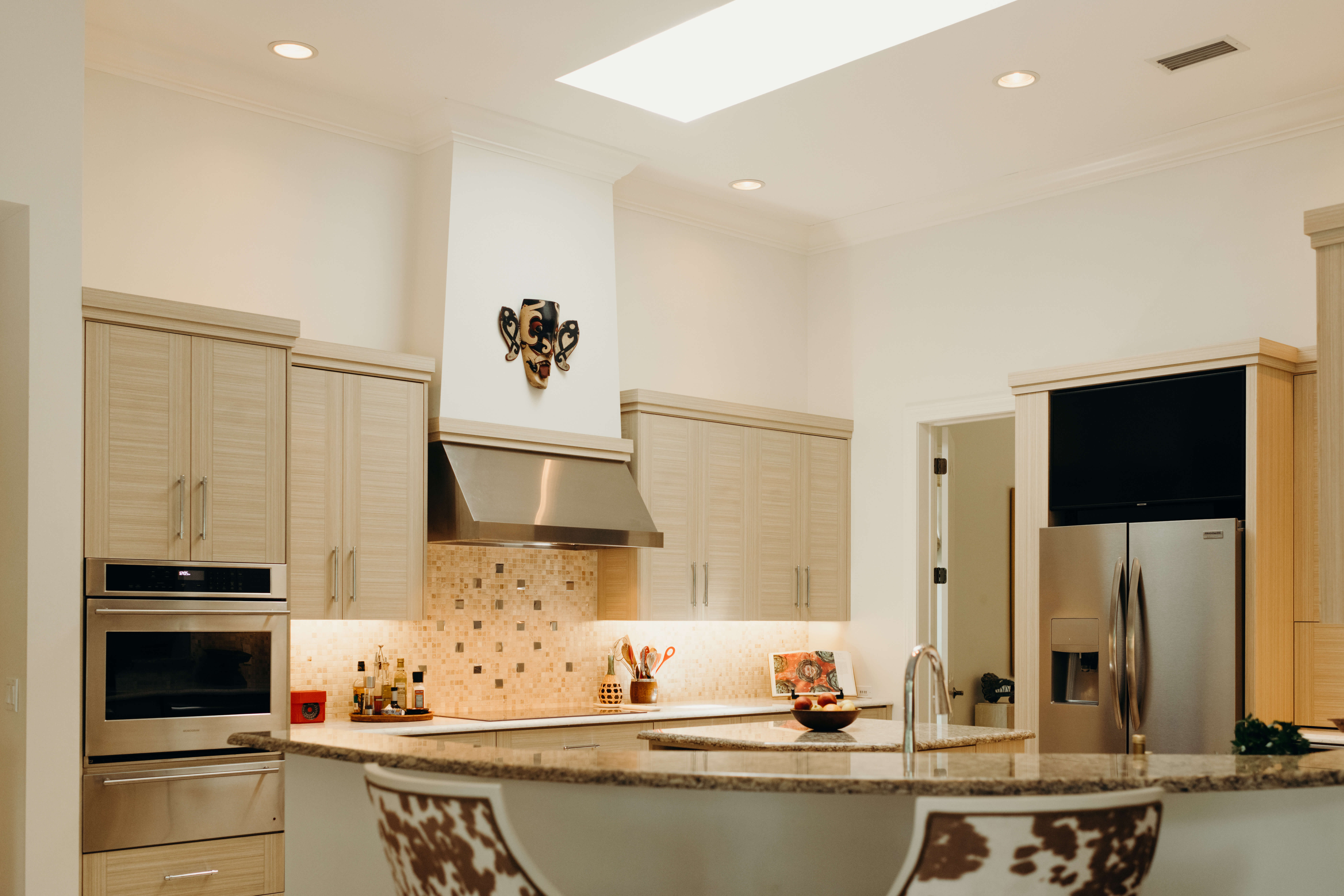 Louise Fontaine kitchen with striated cabinets