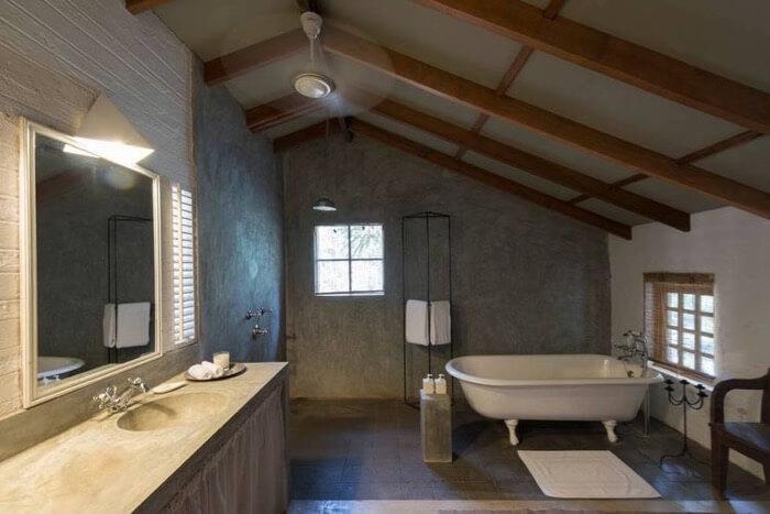 Sink skirts add texture