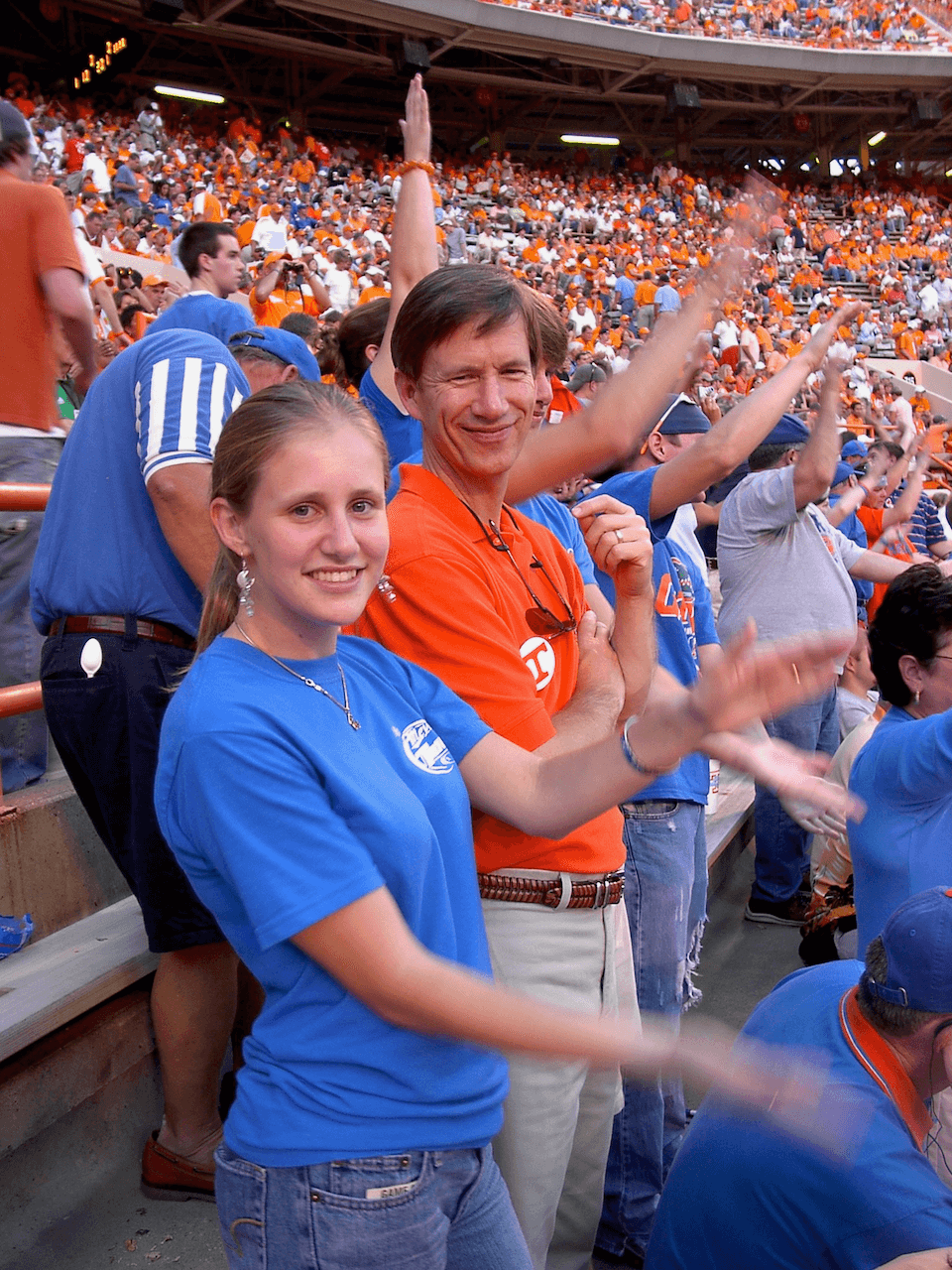 Lizzy Gator Chomping at Tennessee game photo by Kathy Miller